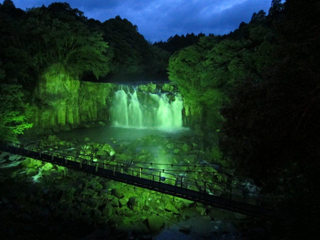 【お知らせ】 関之尾滝ライトアップは7月26日(日)~8月29日(土)